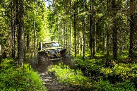 Mihin tahansa metsään ei saa mennä ajamaan offroadia. Tässä ollaan tutun harrastajan mailla.
