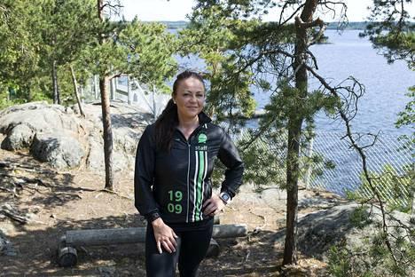 Anna Ojala on muun muassa Suomen Olympiakomitean ja Tampereen Urheiluakatemian ravitsemusasiantuntija. Hän laskee, että rasvaa polttaessa suositeltava painonpudotus on puoli kiloa viikossa. Tällöin lihasmassaa säilyy. Naisella realismia on 200-300 grammaa viikossa.