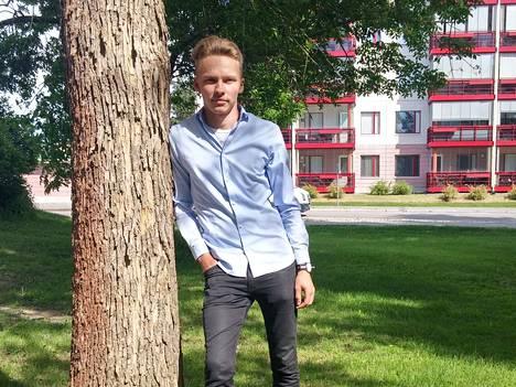Lukiouurastuksesta selvinnyt Antti Ala-Heikkilä aikoo viettää kesää työn merkeissä.