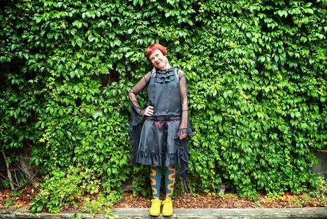 Rosa Liksom on yksi perjantaina Tampereella avautuvan Finlayson Art Arean taiteilijoista. Hänen mukanaan aiemmin kuvataiteeseen keskittynyt jokakesäinen tapahtuma laajentaa kirjallisuuteen.