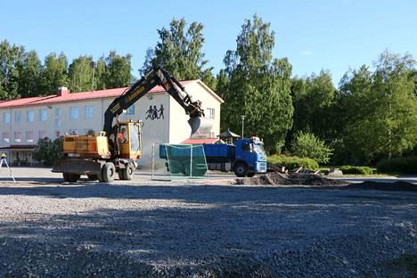 Pirkkalan koulun Ässä-areenan rakentaminen alkoi tällä viikolla. Areenan odotetaan valmistuvan juhannukseen mennessä.
