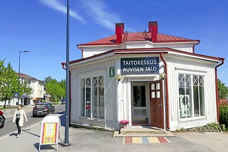 Oriveden maamerkkinä tunnettu Auvisen talo on yksi tapahtuman kohteista sekä tapahtumainfopiste. Auvisen talo on tullut tunnetuksi Tarmo Koiviston sarjakuvista.