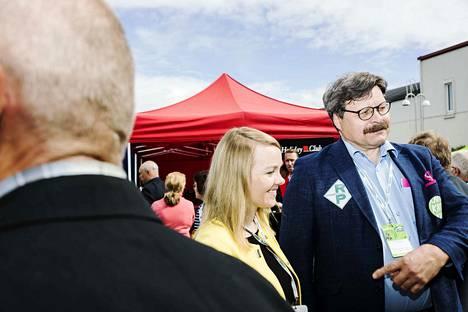 Pasi Koski Merikarvialta luottaa puheenjohtajaan Juha Sipilään. Hän teki, mitä lupasi. Koski kuuluu keskustan varapuheenjohtaja Katri Kulmunin kannattajiin.