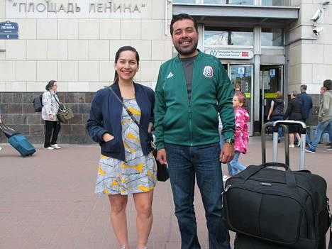 Natalia Quintanall ja Carlos Banda sanovat, että MM-turnaus on heille täydellinen tekosyy matkustaa Venäjälle. Pariskunnalla on liput kahteen otteluun.