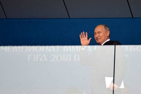 Vladimir Putin seurasi avausottelua paikanpäällä Luzhniki-stadionilla