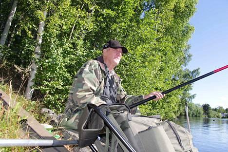 Kokemus opettaa kalastuksessa, mutta valmista ei tule ikinä. Näin sanoo Esko Huusko, joka on kalastanut pikkupojasta asti.