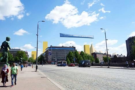 Asemakeskukselle suunnitellaan korkeita tornitaloja, jotka voisivat näyttää Hämeensillalta tältä.