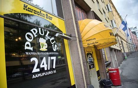 Uuden alkoholilain myötä helsinkiläinen karaokebaari Populus on auki aamusta iltaan.
