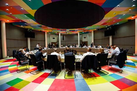 Euroopan neuvoston torstain ja perjantain välisenä yönä tekemien kompromissilinjausten perusteella Eurooppaan on jatkossa vaikeampi päästä.