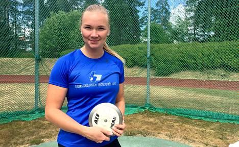 Salla Sipponen voitti Suomen mestari Sanna Kämäräisen yli neljällä metrillä.