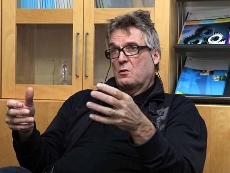 Hannu Jaakkola kertoo, että hakijoita pestiin on riittänyt.