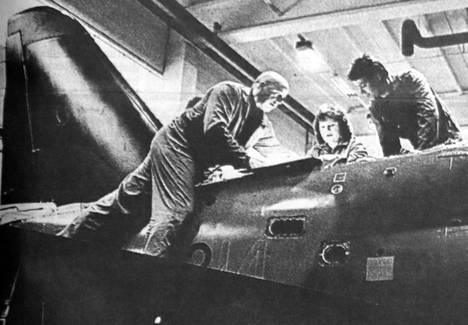 Lentokoneasentajia työllistävä Valmetin Kuoreveden lentokonetehdas pitää ammattikoulun erikoislinjaa tarpeellisena.