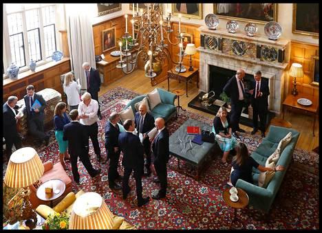 Viimeisimmän brexit-kriisin siemenet viljeltiin tässä hallituksen kokouksessa pääministeri Theresa Mayn kesäasunnolla viikko sitten perjantaina.