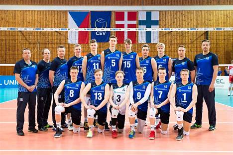 Suomen alle 20-vuotiaat lentopallopojat pelaavat EM-kisojen alkulohkon Hollannissa.