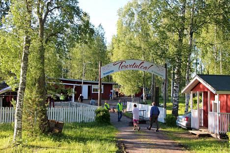 Venesjärven kylä pyrkii Suomen älykkäimmäksi. Myös kylän tanssilava on ahkerassa käytössä.