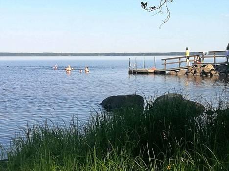 Harjavallan kaupungin leirikeskus Koivuranta sijaitsee Sääksjärven rannalla, Kokemäellä. Lierikeskuksen osoite on Plättilänmaantie 826.