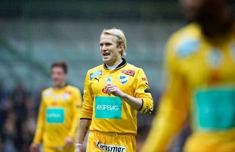 Pekka Legerblom on edustanut uransa aikana Veikkausliigassa IFK Mariehamnia ja FC Lahtea.