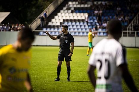 Tuomari Mohammad Al-Emara keskeytti  FC Hakan ja FC KTP:n Ykkösen ottelun rasistisen huutelun takia.