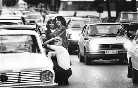 Korttelirallia Porin keskustassa vuonna 1981.