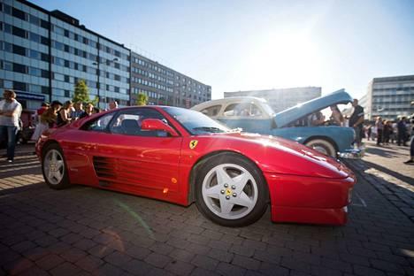 Vaikka nuoruus kultaa muistot, olivat 1980-luvun menopelit vaatimattomia nykyisiin verrattuna. Viime vuonna torilla äimisteltiin muun muassa Ferrari 348:aa.