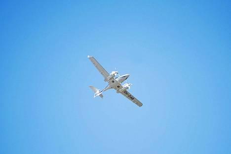 Suomen Ilmailuopiston Diamond DA42-lentokone palasi lentokentälle kesken koulutuslennon.