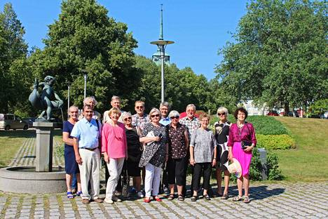 Mäntän Yhteiskoulun 1963 ylioppilaat pitivät luokkakokousta Mäntässä. Ohjelmaan kuuluivat muun muassa museokäynnit Gustafissa ja Göstassa.