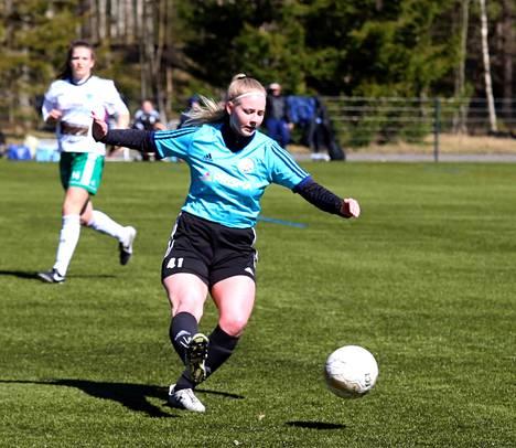 Matilda Siiranen iski FC Nokian avausmaalin toisella jaksolla Turussa. FC Nokian kiri ei kuitenkaan riittänyt, vaan TPS 2 voitti 3–2.