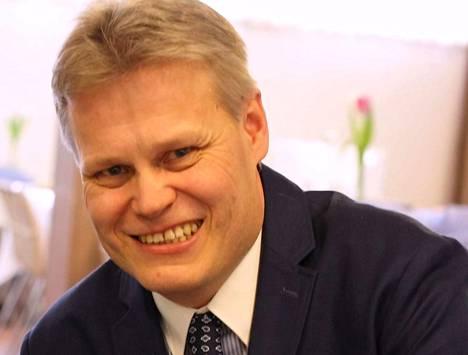 Iso Kirja konferenssikeskuksen johtaja Marko Halttunen aloittaa työt myös Keuruun helluntaiseurakunnan johtavana pastorina.