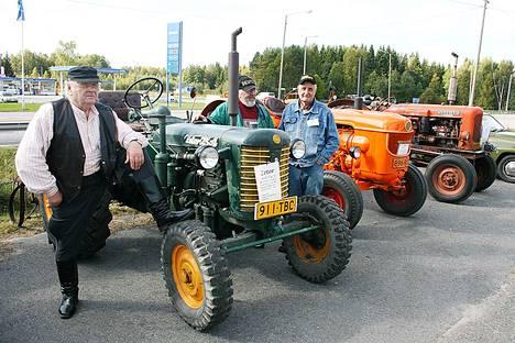 Koko perheen Myllärit-tapahtuma esittelee konekalustoa joka lähtöön ja traktoriajelullekin pääsee. Kuva vuodelta 2013