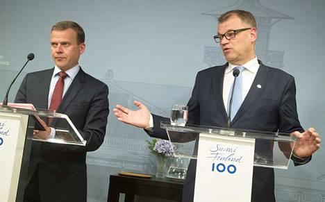 Valtiovarainministeri Petteri Orpo (kok.) ja pääministeri Juha Sipilä (kesk.) ja muu hallitus kokoontuvat tiistaina ja keskiviikkona budjettineuvotteluihin.