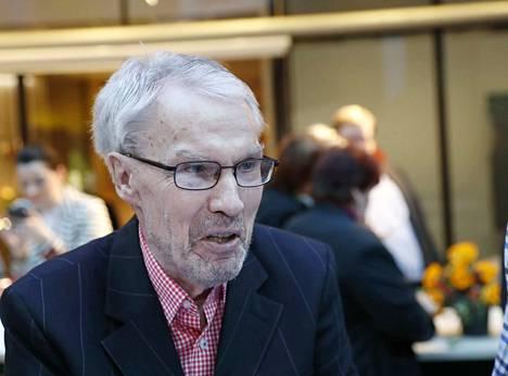 75-vuotias Mikko Elo on viime aikoina tuonut Nato-kriittisiä mielipiteitään julki Vastavalkea-verkkolehdessä. Samaisella nettisivustolla puolustetaan MV-lehden perustajaa Ilja Janitskinia.