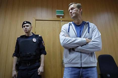 Aleksei Navalnyi maanantaina oikeudessa Moskovassa.