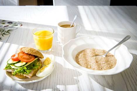 Syyskuun aamupalakokeilu on jatkoa kokeilulle huhtikuussa. Kyselyn perusteella aamupalatarjoilu toi lisäenergiaa opiskeluun ja paransi keskittymiskykyä. Kuvituskuva.