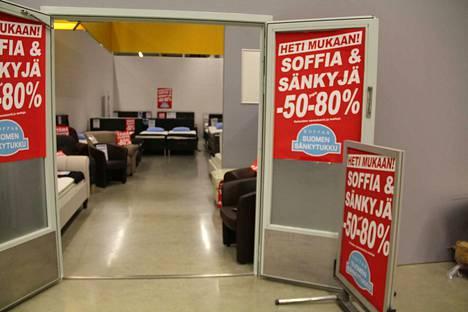 Sohvien ja sänkyjen pop up -myymälä Kodin Terran tiloissa lopettaa kuun lopussa.
