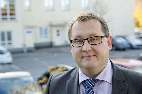Kangasalan kaupunginjohtaja Oskari Auvinen sanoo ryhtyneensä tarvittaviin toimenpiteisiin viime vuonna saatuaan tietää väitteistä, joiden mukaan uimahalliyhtiön toimitusjohtajaa kiusataan.