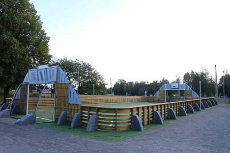 Pirkkalan koulun lähiliikuntakenttä on kuudes Satakunnan alueelle avattava Ässäkenttä.