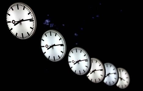 Mahdollista on, että kellojen viisareita siirrellään ensi keväänä viimeistä kertaa.