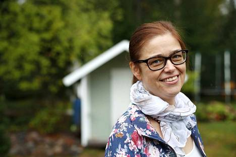 Minna Haavisto näkee, että Porin kaupungin toimijat ovat parantaneet asennettaan sisäilmaongelmien hoitamisessa. Ongelmia ei vähätellä ja niitä yritetään ratkoa.