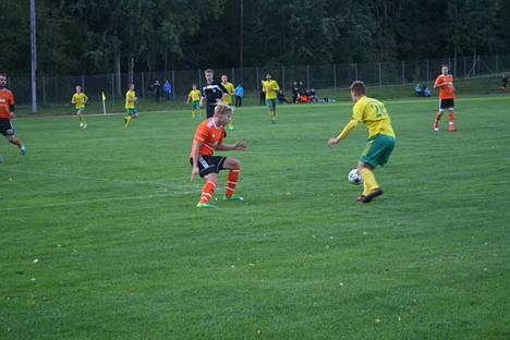 Felix Hannelin pelasi uransa ensimmäisen Kolmosen ottelun avauksessa.