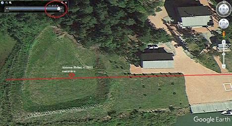 Google Earthista otetussa kuvakaappauksessa Airiston Helmen rantaviiva vuonna 2011. Kuva on entisen kansanedustajan Mikko Kärnän arkistosta.