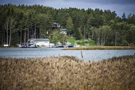 Airiston Helmen omistama saarikiinteistö Paraisten Ybbernäsissä.