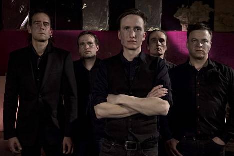 1980-luvun lopulla perustettu Penniless-yhtye julkaisee pian kymmenennen albuminsa.