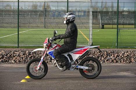 Moottoripyörien uudet käsittelykokeet otettiin käyttöön ajokauden alussa huhtikuussa