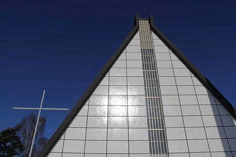 Kirjoittaja muistelee lämmöllä Valkeakosken kirkossa viettämäänsä aikaa.