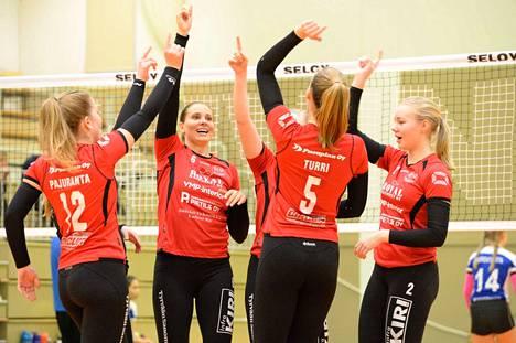 VaLePa otti toisen voittonsa sarjassa ja sai samalla kiinnityksen lohkokärkeen. Seuraavaksi VaLePan naiset kohtaavat tamperelaisen SupiVolleyn.