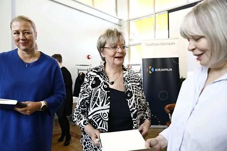 Ajattelen, että minusta tulee senior adviser. Jonkinmoisen ajatushautomossa olisi mukava olla, politiikan jättävä pitkän linjan vaikuttaja Liisa Jaakonsaari (sd.) kertoo suunnitelmistaan.