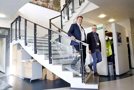 Samalla kun toimitusjohtaja Joni Hautojärvi kiittelee kaupungin roolia hankkeessa, kaupunginjohtaja Hannu Kuusela pitää tärkeänä maanomistajien asennetta: Se on osaltaan mahdollistanut BASF:n sijoittumisen Harjavaltaan.