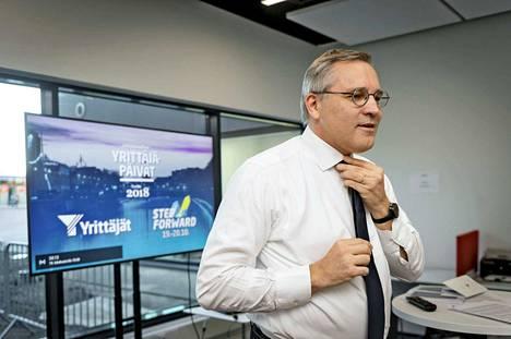 Suomen Yrittäjien toimitusjohtaja Mikael Pentikäinen vaatii lisää paikallista sopimista.
