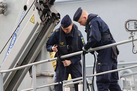 Merivoimien johtama kansainvälinen merisotaharjoitus käynnistyi torstaina Turussa. Ensimmäisenä ulkomaisena aluksena Aurajokeen saapui ruotsalainen HMS Carlskrona miehistöineen.