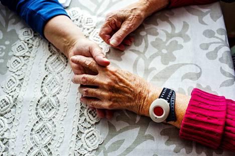 Kukoistava Kotihoito -hankkeen myötä esimerkiksi sairaalasta kotiutumista on järkeistetty uudestaan.